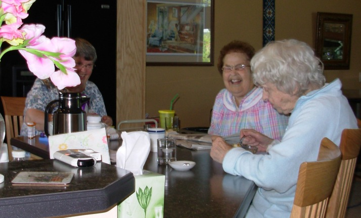 A joyful breakfast at Country Comforts Assisted Living