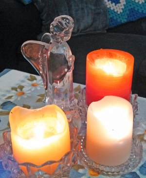 3 candles and angel