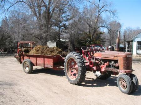 manure spreader and tractor 4