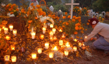 Cemetery being decorated for Dia de los Muertos