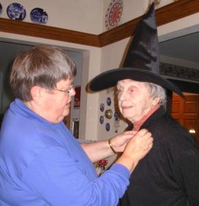 doris-witch-w-mim-10-31-06-c